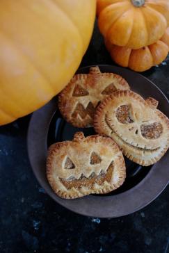 Jack o Lantern Pumpkin Hand Pies