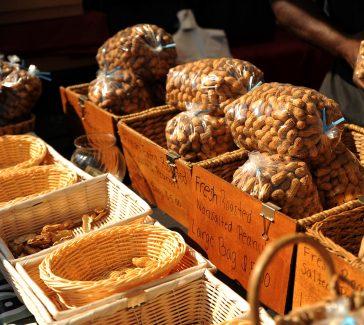 #wildaboutwednesday    Filiberto's Roasted Peanuts