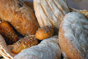 #treatyourselftuesday    Bread Bar